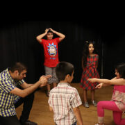 کودکانی-که-آموزش-بازیگری-می-بینند